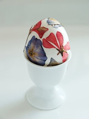 An Easter egg with pressed flowers