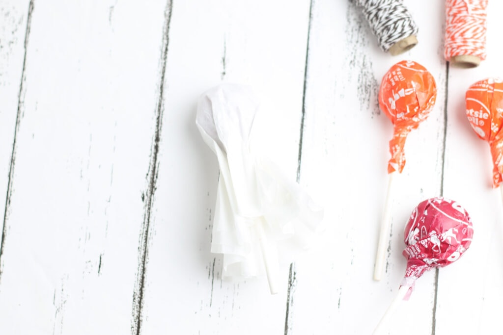 Wrap a coffee filter around a Tootsie Pop to make a ghost lollipop.